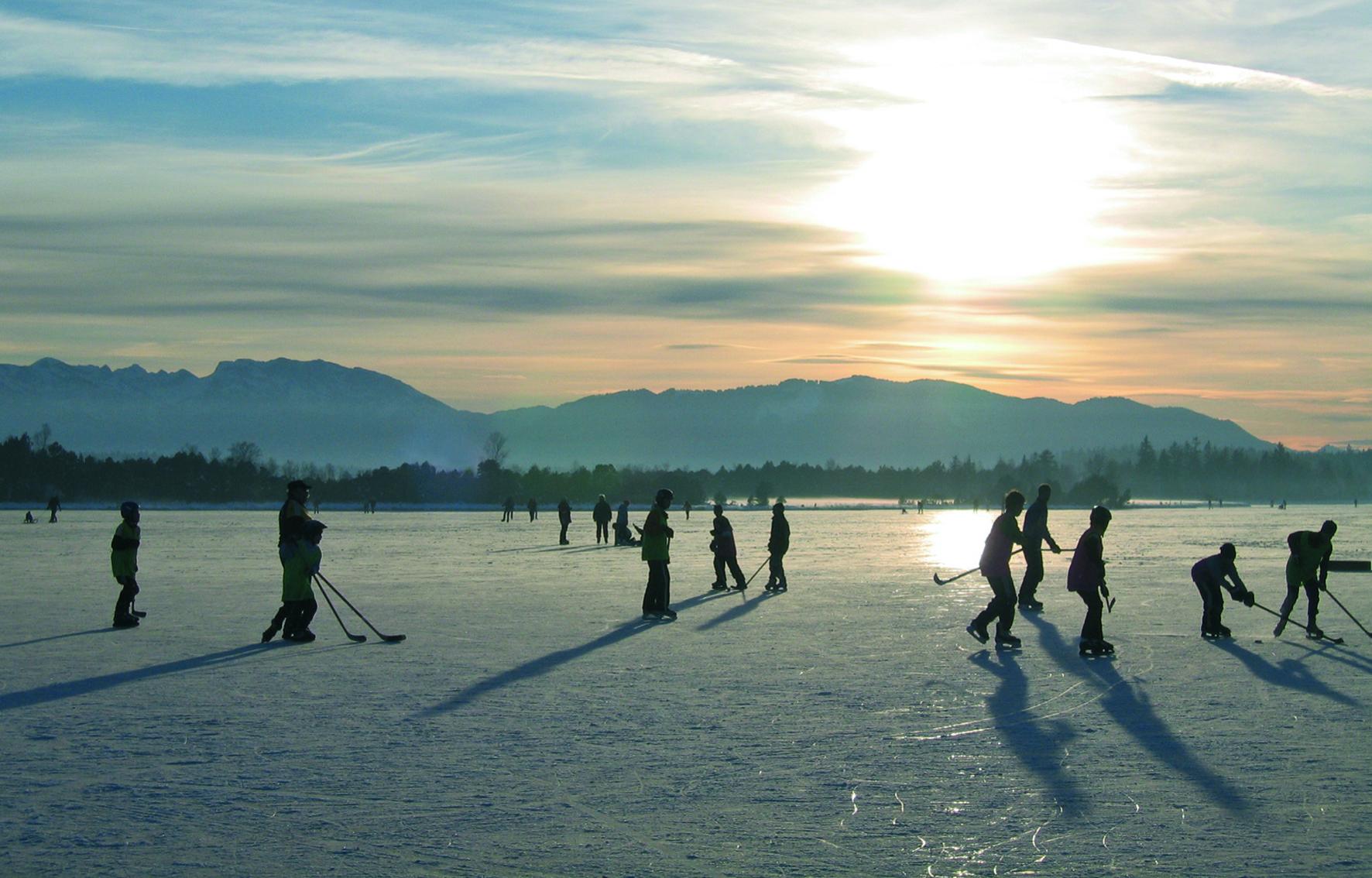 Schlittschuhlaufen auf dem Kirchsee
