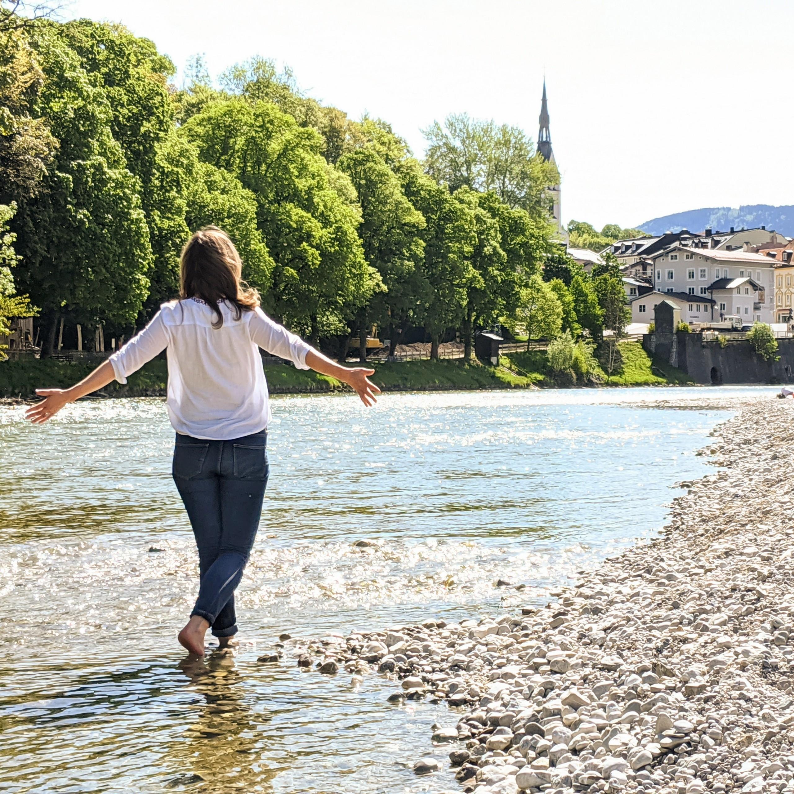 Fluss & Frau