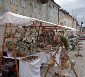 Tölzer Kunst- und Töpfermarkt